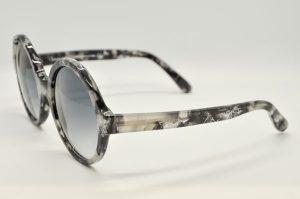 Occhiali da sole Locchiale Design K3292 - 12308 - Modello da donna in acetato color stone e lenti grigio sfumate